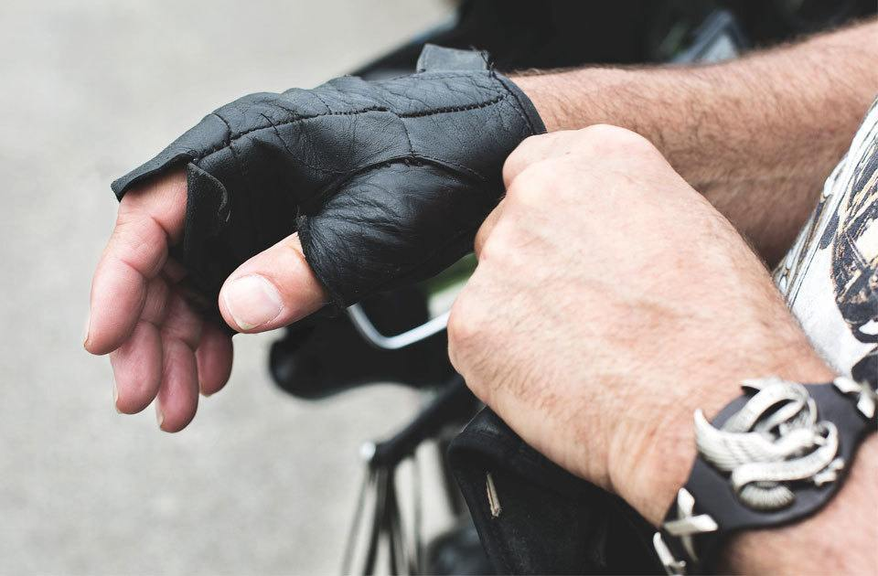 essential motorcycle hand signals