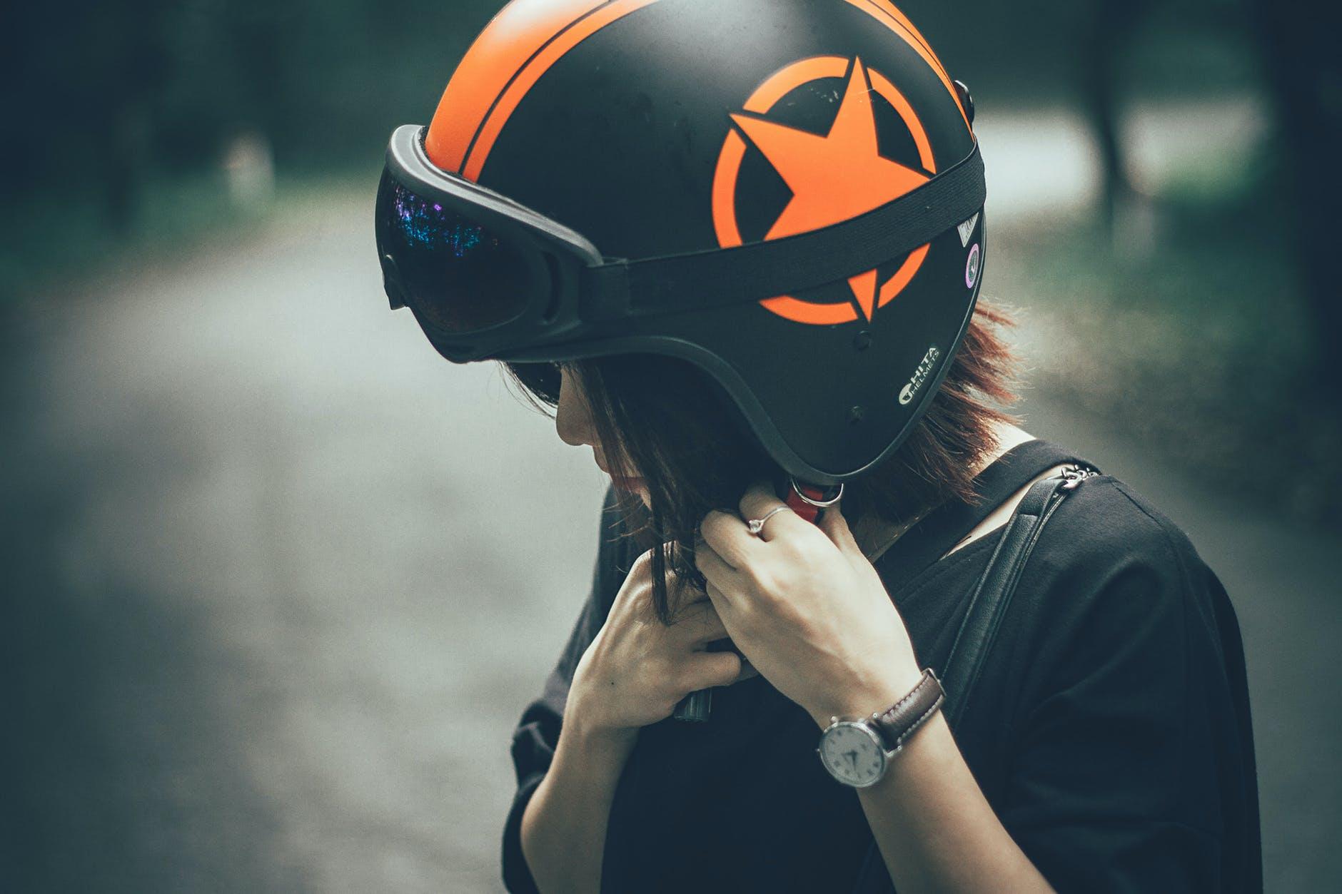 Ultimate Guide To Custom Motorcycle Helmets Custom Helmet In 2020